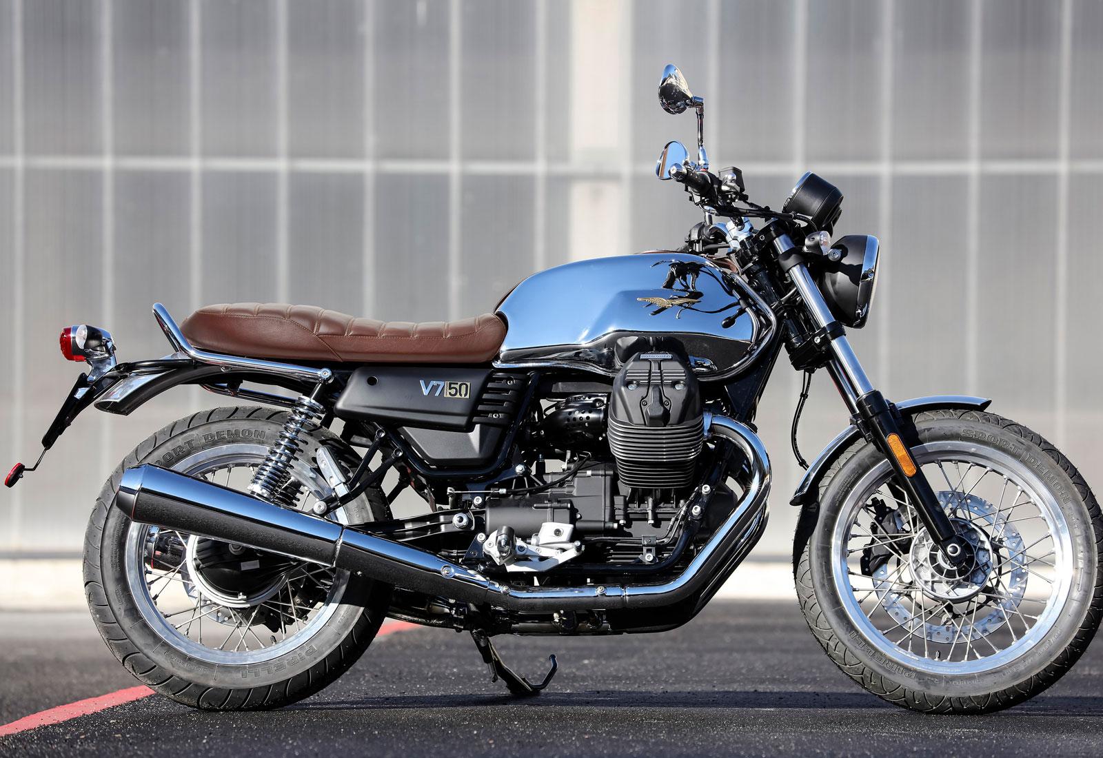 Moto modelo Anniversario. Marca Motoguzzi