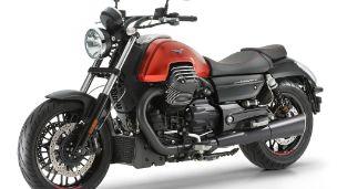 Moto modelo Audace, rojo. Marca Motoguzzi