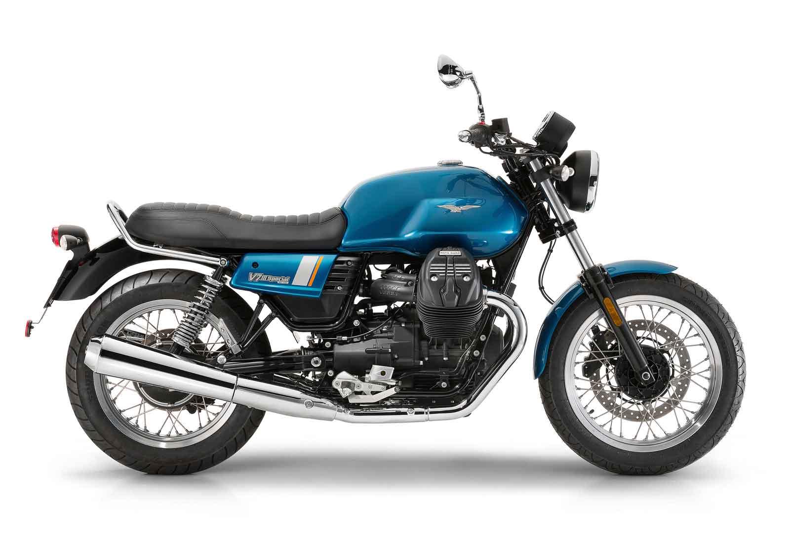 Moto de perfil, modelo Special, color azul zaffiro. Marca Motoguzzi