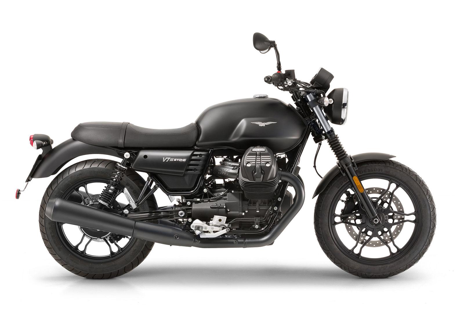 Moto de perfil, modelo Stone, color negro. Marca Motoguzzi